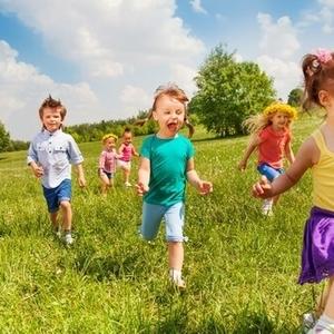 1・2歳児の「おもちゃを取る・お友だちをたたく」トラブル解決術