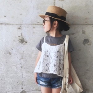 夏の視線を独り占め♡今年のキッズコーデは「カンカン帽」がおしゃれ!