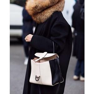 HITの予感♡ベルギー王室の御用達・DELVAUXのバッグの魅力
