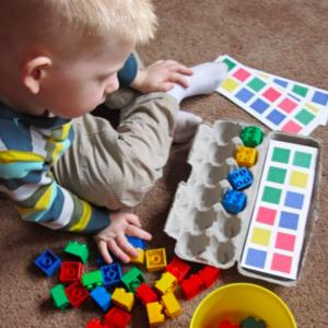 「たまごパック」がおもちゃに大変身♪子供が喜ぶ工作アイデア