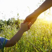 兄弟差別に悩むママが「上の子を可愛く思えない」のは当たり前だった?