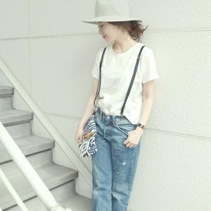 夏の定番服☆シンプルな白Tシャツをオシャレに着こなす小ワザ4つ
