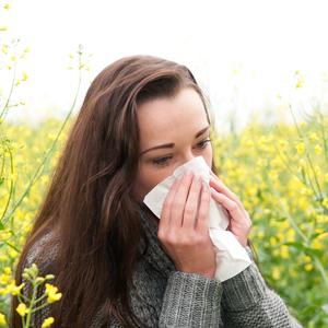 皮膚科医が教える!《花粉症》の時期の肌トラブル対策