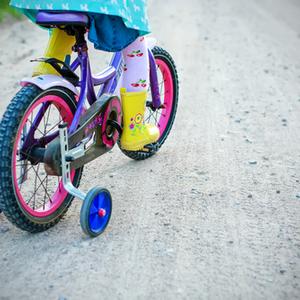 """4歳になったら自転車デビュー!""""初めて""""におすすめ自転車&選び方"""