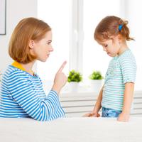 ついに覚えてしまった……子供が「バカ」と言ったらどう対処すべき?
