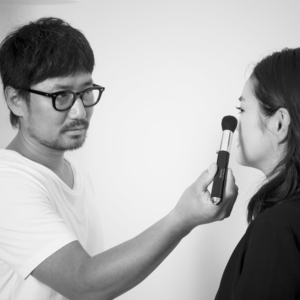 河北裕介プロデュース!大人メイクに嬉しい『美顔ローラー付き熊野筆』登場!