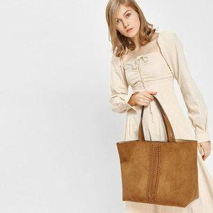 CHARLES & KEITHのバッグをご紹介!ママに嬉しい機能性も