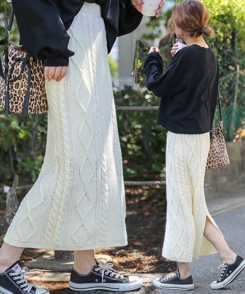 select MOCAのミックスゲージニットスカート