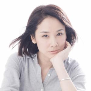 年齢不詳の美肌とツヤ髪♡吉田羊さんから学ぶ美容法