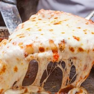 常識を覆す!大人気ミラノピザ「スポンティーニ」が日本初上陸♡