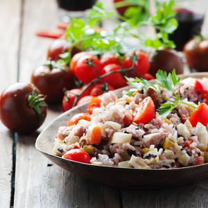 海外で大人気!玄米で作る「グレインズサラダ」のヘルシーレシピ