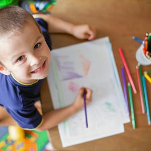 「上手だね」はNG?3歳のお絵かきで注意したい声かけの言葉4つ