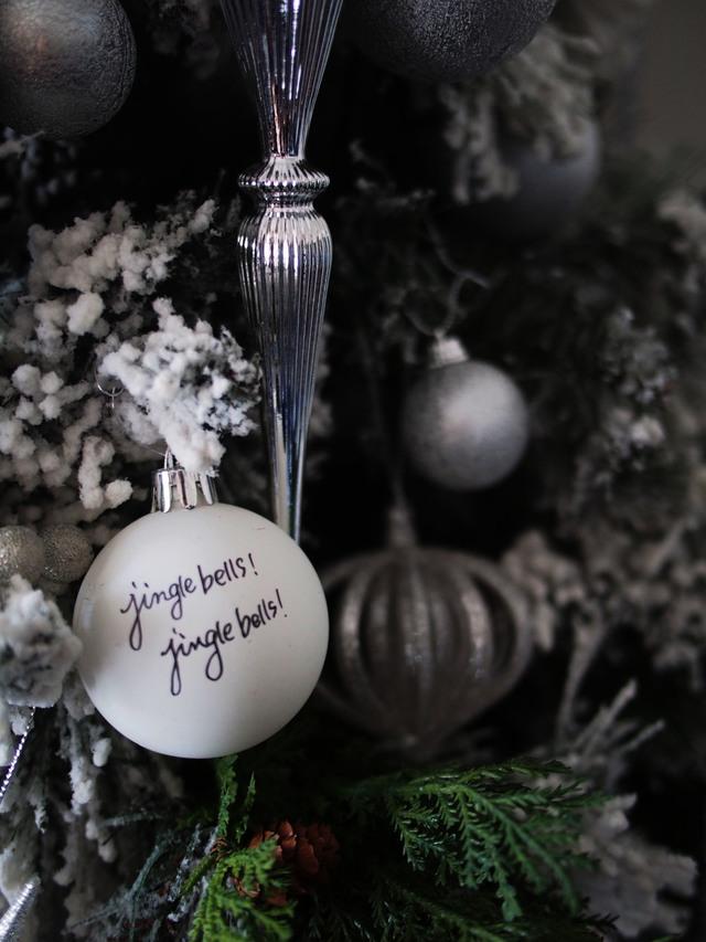 大人上品なクリスマスのカラーコーディネートに引き算の法則