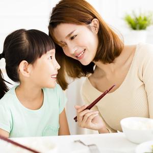 子どもに教える前に親もチェック!《基本のテーブルマナー》6つ