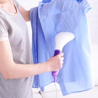 アイロンなしでOK!家事の時短にもなる「洋服のシワ取り」方法5つ