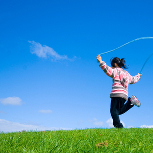 空中で○○をして克服!なわとびの二重跳びを成功させるコツ&教え方