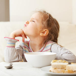 保育園では食べるのに……家でご飯を食べない子どもの対処法5つ