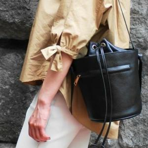 荷物の多いママにぴったり♡大人気の「バケツ型バッグ」おすすめ6選
