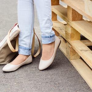 チェック!靴底のすり減り方で分かる『体の歪み』サイン