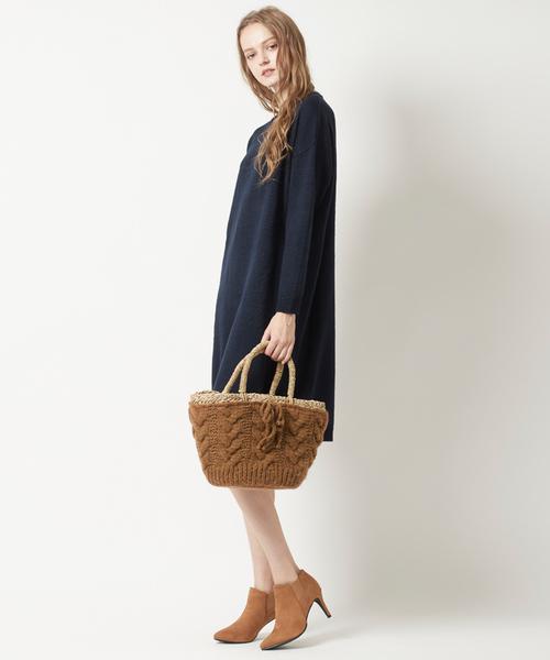 ケーブル編みのバッグ