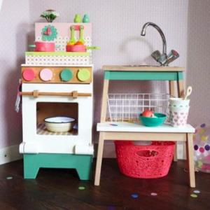IKEAのステップスツールで作る!ままごとキッチンのDIYアイデア