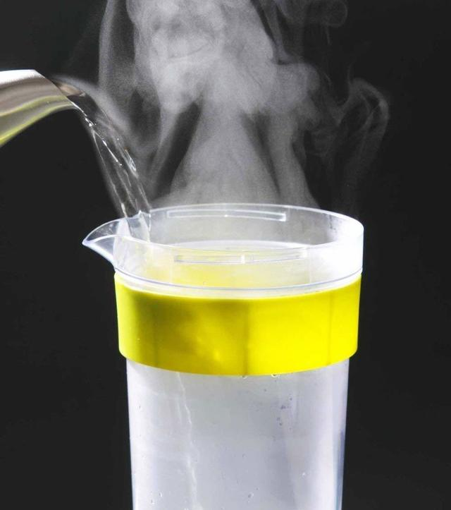 耐熱の冷水筒