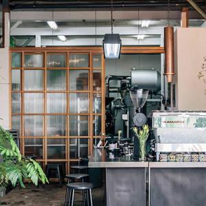 東京のおしゃれなスタンドコーヒーショップ♪春は外で飲むのが通!?