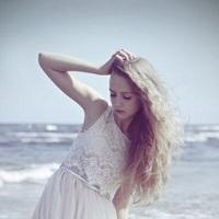 """輝く美髪のために。今から始めたい、冬の正しい""""頭皮ケア""""とは"""