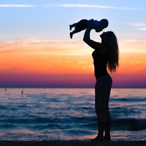 365日頑張っているママへ!腰のセルフチェックとケアで腰痛予防☆